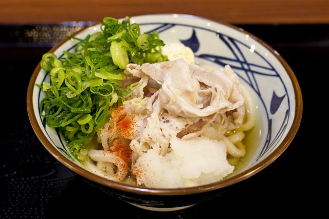 釜揚げうどん丸亀製麺の期間限定豚マリネぶっかけ